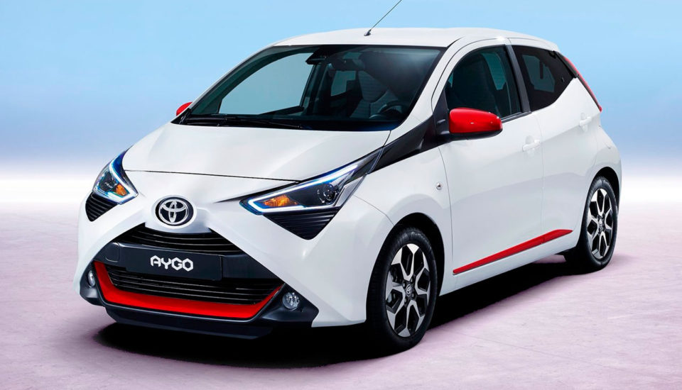 A. TOYOTA AYGO manual (4 Pax)