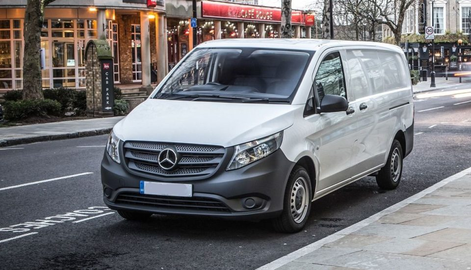 B. MERCEDES VITO manual (9 Pax)